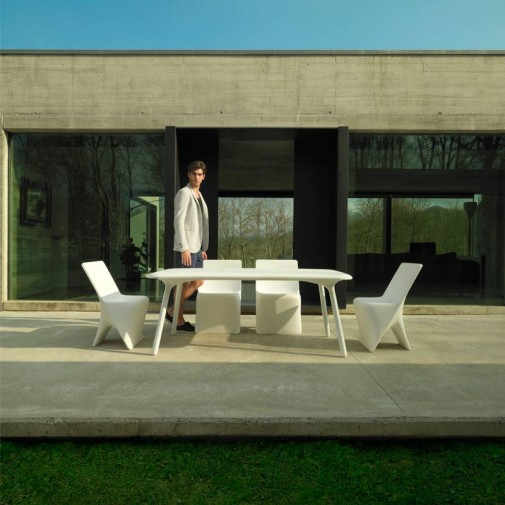 Fot. Everspace_VONDOM_exclusive-outdoor-design-furniture-table-chairs-sloo-karimrashid-vondom (1)